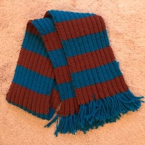 Ravenclaw house pride scarf
